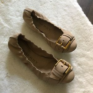 Burberry Leather Buckle Flats Tan Gold 40